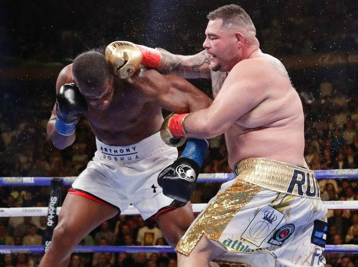 Andy Ruiz Jr fighting with his opponent
