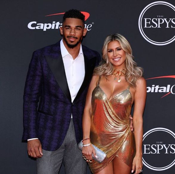 Evander Kane with his ex-girlfriend in the function
