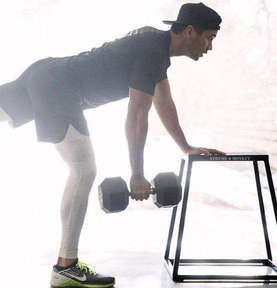 Jason Day doing exercise