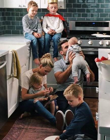 Dana Grady with her husband, Joe Grady and five children