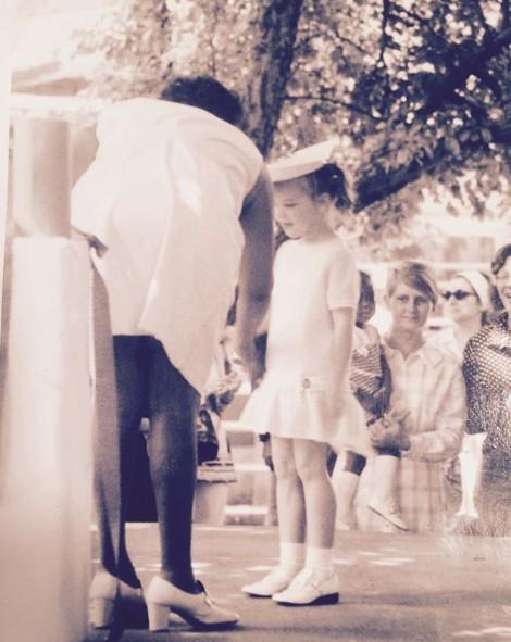 Debi Mazar's childhood picture