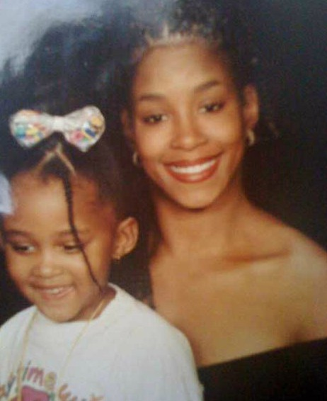 Shelly Tresvant with her daughter