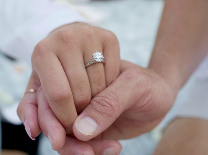 Melyssa Davies with engagement ring