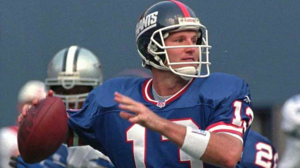 Danny Kanell playing for his team
