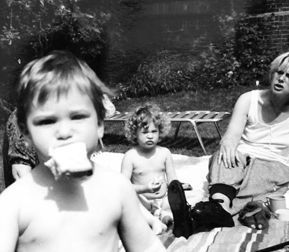 Oliver Jackson-Cohen childhood picture with his mother and sister