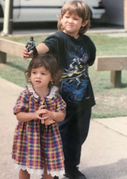 Chai Hansen childhood picture with his sister