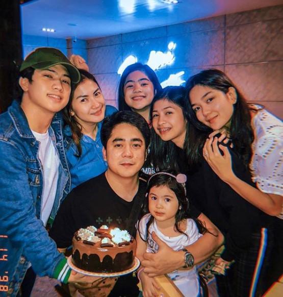 Niana Guerrero with her family