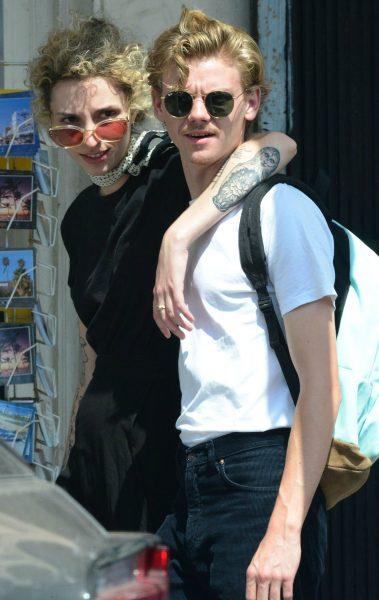 Thomas Brodie-Sangster with his girlfriend Gzi Wisdom