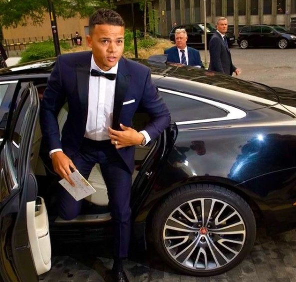Ellie Penfold's husband Jermaine coming out of the car