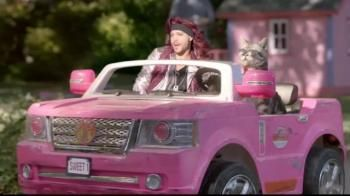Justin Guarini with the car used in the shoots of his commercial