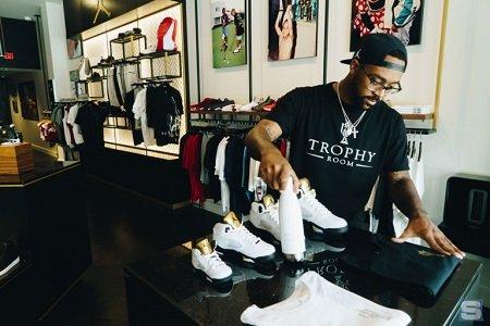 Marcus Jordan flexing his shoes